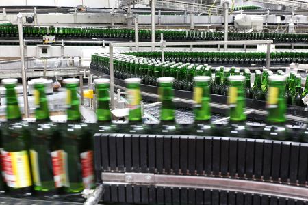 Flaschenabfüllanlage, Bierflaschen, Unternehmensfotografie, Hamburg, Freye