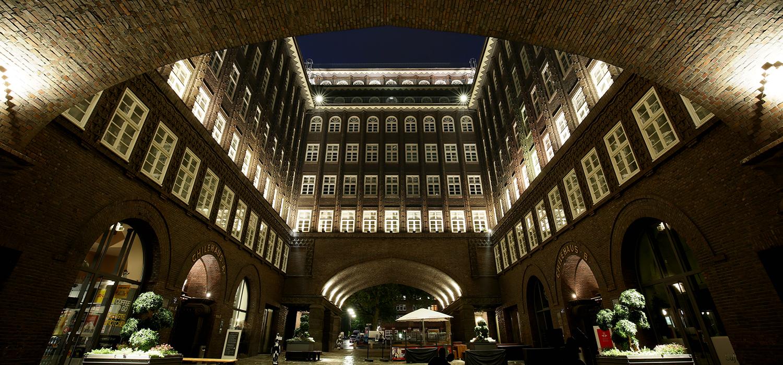 Nachtaufnahme, Chilehaus, Architektur, Foto