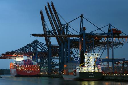 Hafen Hamburg, Schiffe, Nacht, Foto Manfred Freye